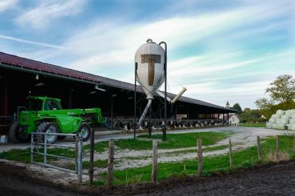 La ferme partagée de François est une énorme exploitation constituée en GAEC.